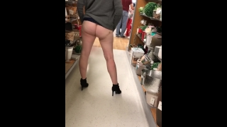 Flashing pussy almost caught!