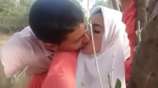 Desi beautiful southeli behan Latifa fuck bhai hakib outdoor doogy hijab