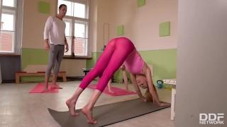 2 Girls Yoga Footjob
