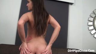 Gia gaping her ass