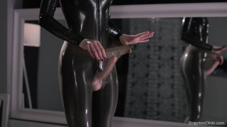 Maria Pie in Latex Strapon Cums Full Video