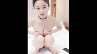 Chinese Camgirl 萌仙儿 Live Creampie Sex 8